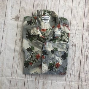 Columbia short sleeve tropical button front shirt